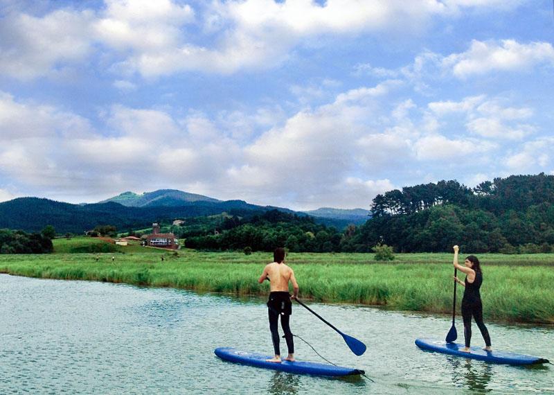 Descensos en canoa y stand up paddle por Urdaibai