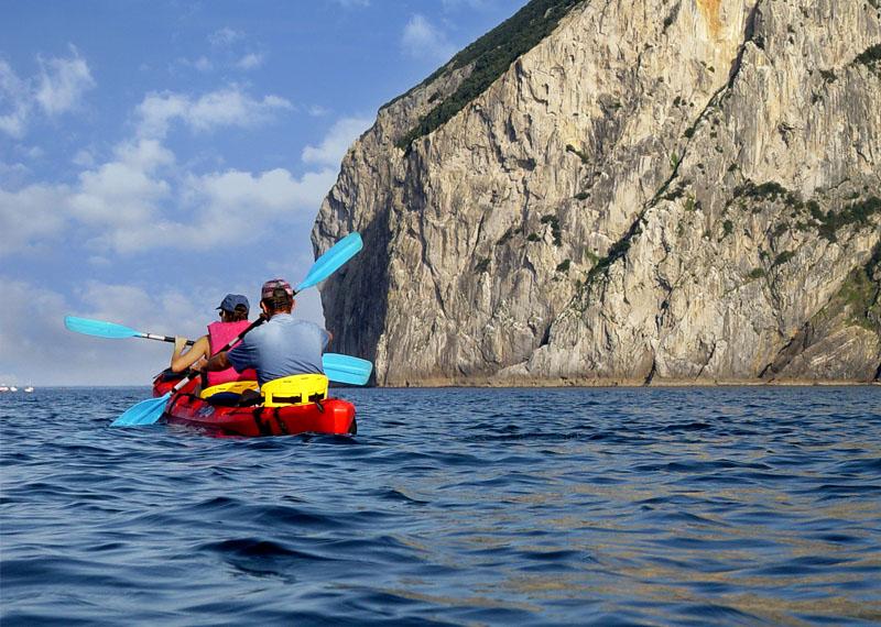 Travesías en canoa y piragua por Urdaibai